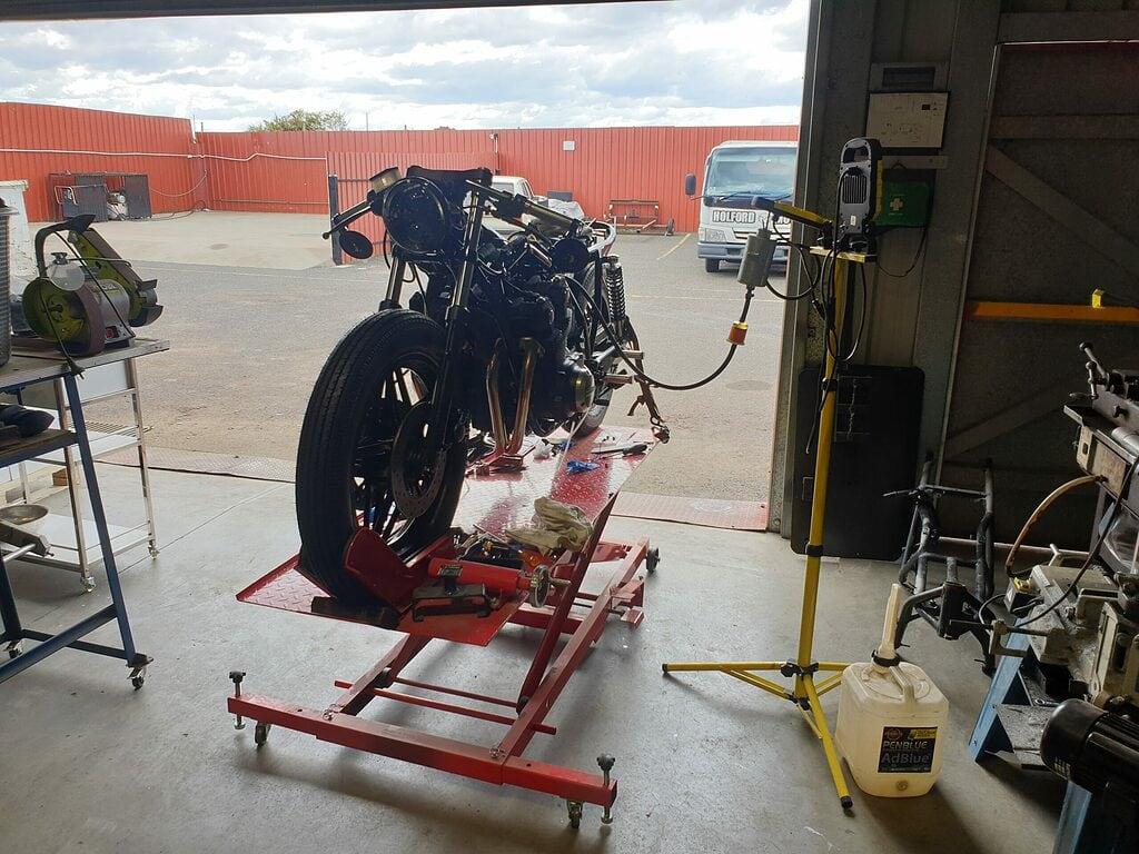 Honda CB750 F Cafe Racer Build 82